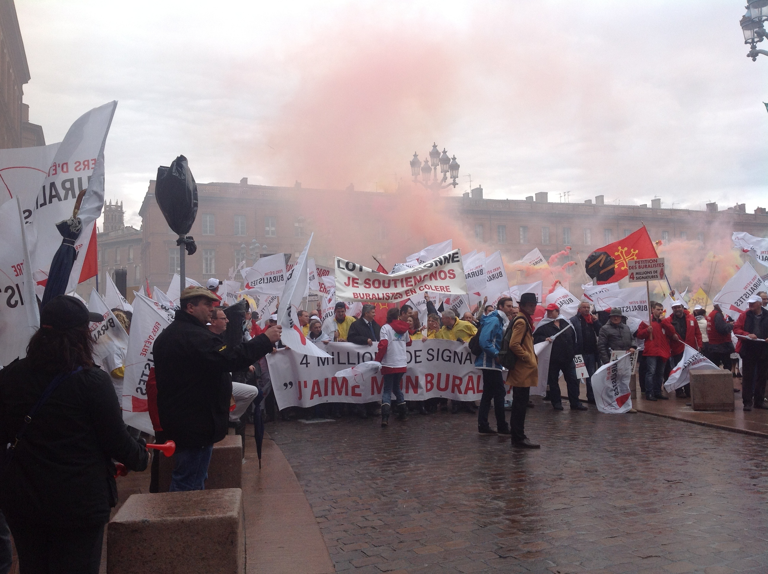http://www.lemondedutabac.com/wp-content/uploads/2013/05/Buralistes-Toulouse-61.jpg