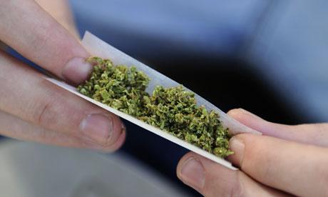 Cannabis-joint-007