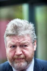 Irlande James Reilly Paquet neutre
